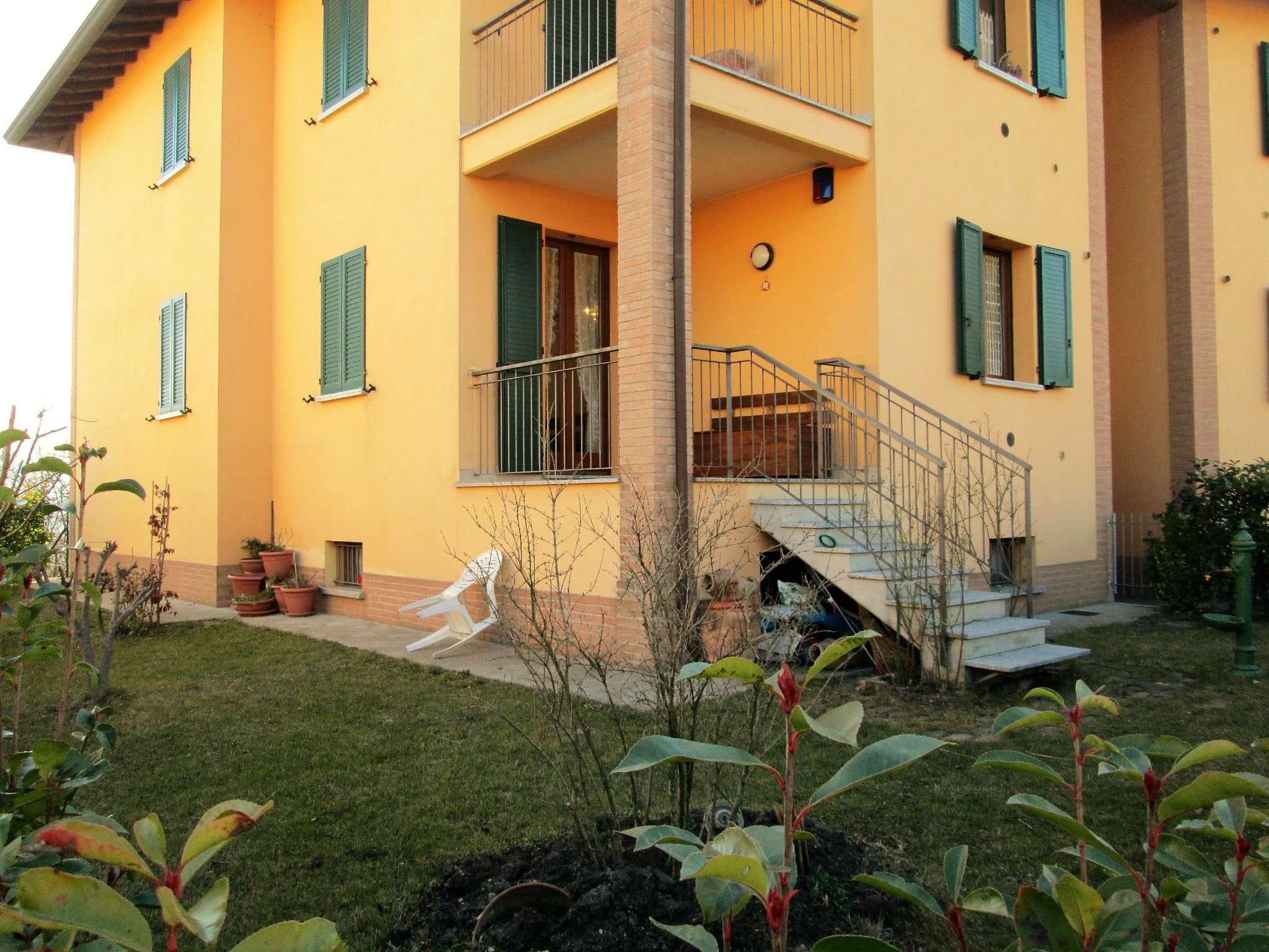 Appartamento in vendita a Varano de' Melegari, 3 locali, prezzo € 158.000   Cambio Casa.it