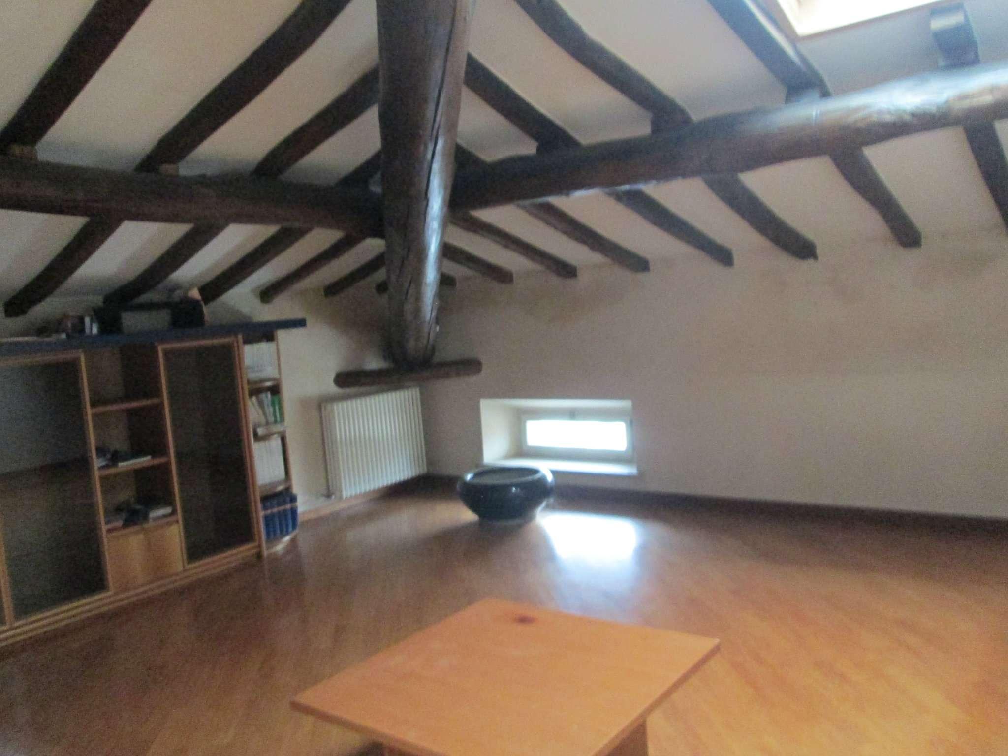 Appartamento in affitto a Medesano, 4 locali, prezzo € 700 | Cambio Casa.it