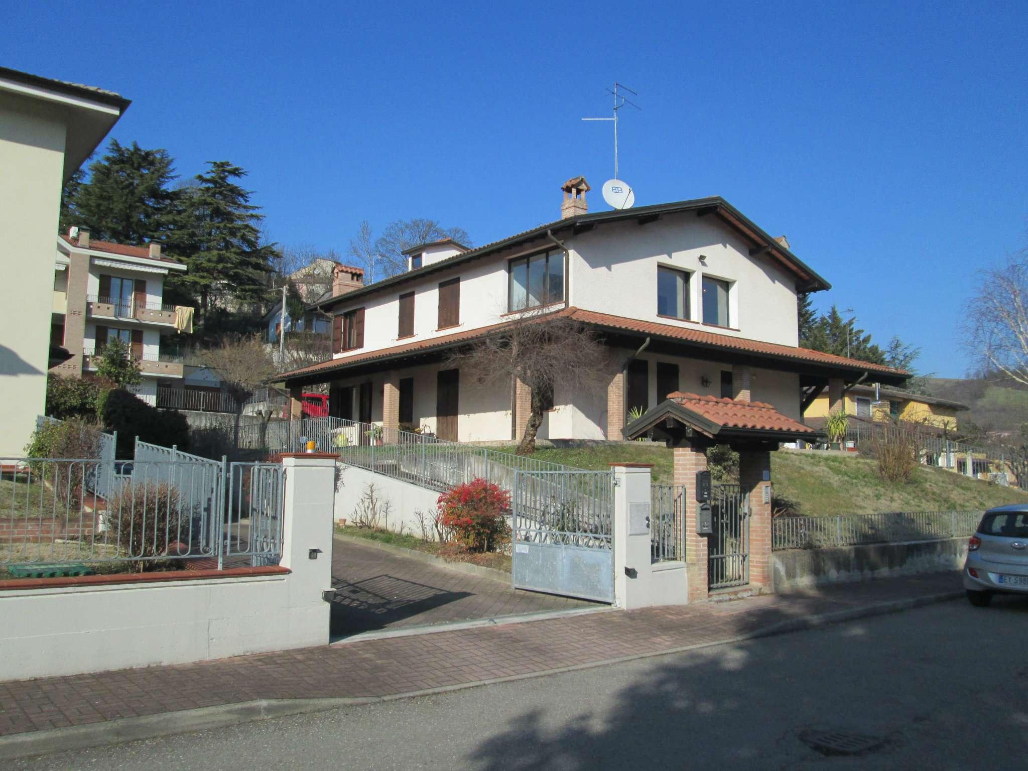 Appartamento in vendita a Medesano, 3 locali, prezzo € 90.000 | Cambio Casa.it