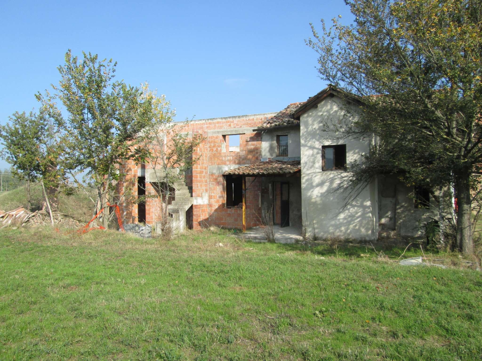 Soluzione Indipendente in vendita a Medesano, 6 locali, prezzo € 55.000 | Cambio Casa.it