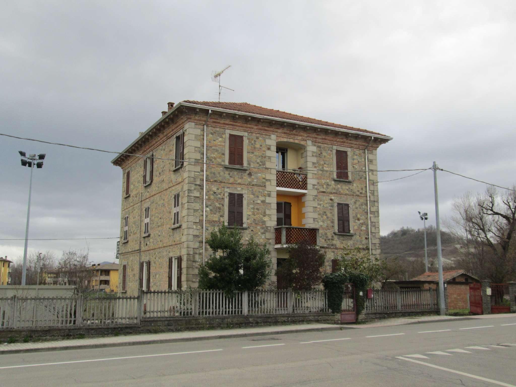 Appartamento in vendita a Medesano, 4 locali, prezzo € 120.000 | Cambio Casa.it