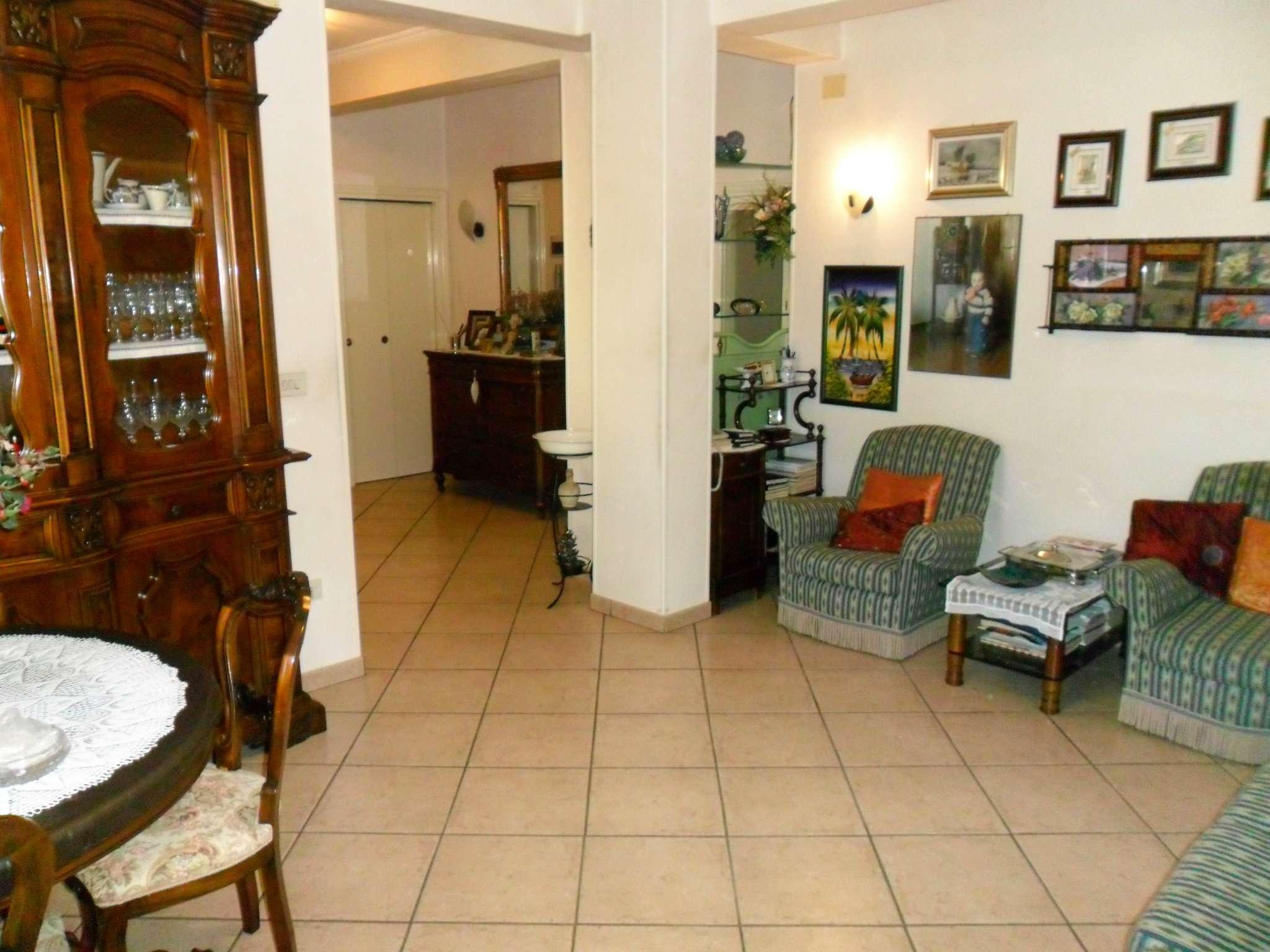 Appartamento in vendita a Noceto, 3 locali, prezzo € 100.000 | Cambio Casa.it