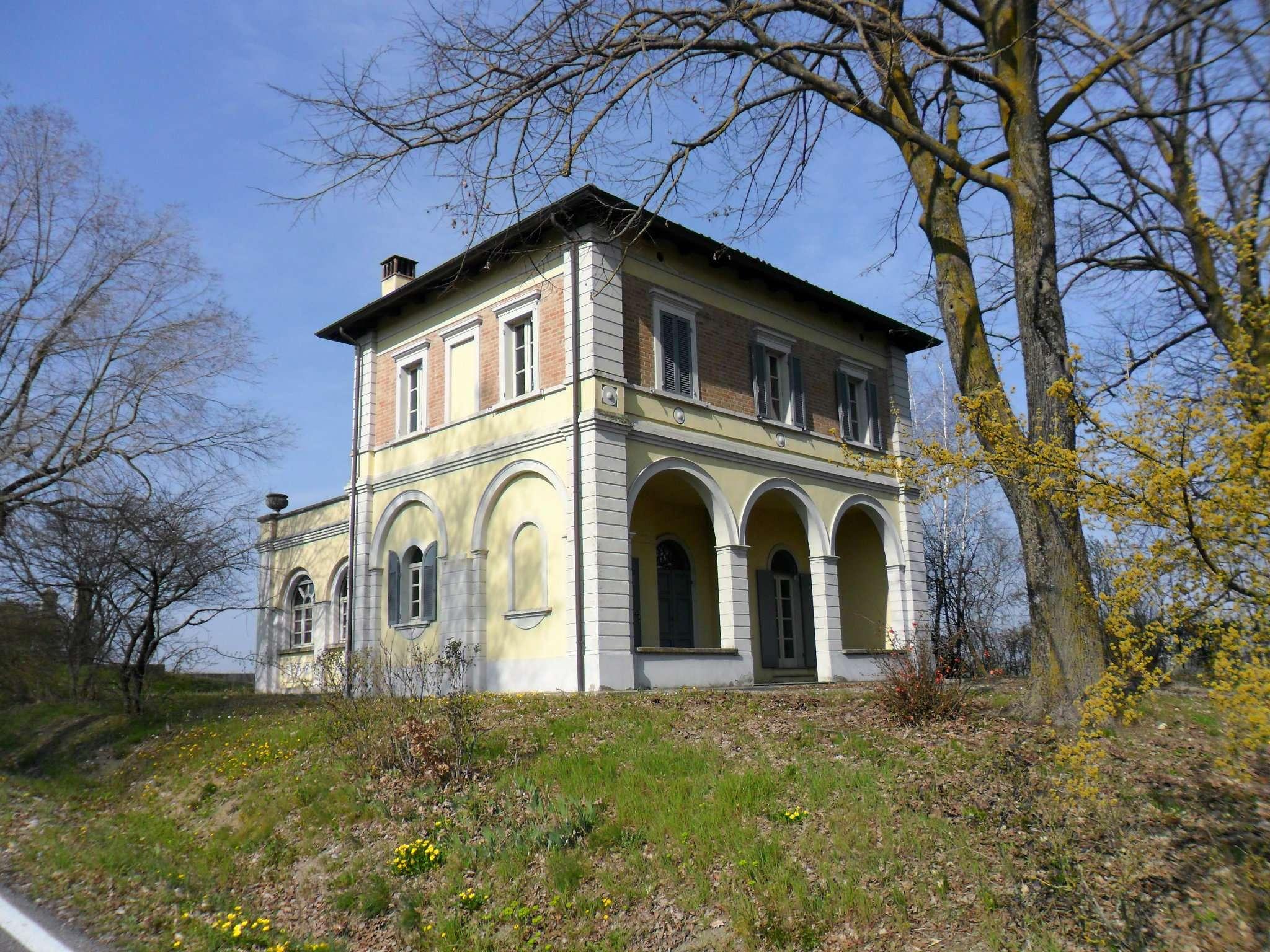 Soluzione Indipendente in vendita a Fidenza, 6 locali, prezzo € 360.000 | Cambio Casa.it
