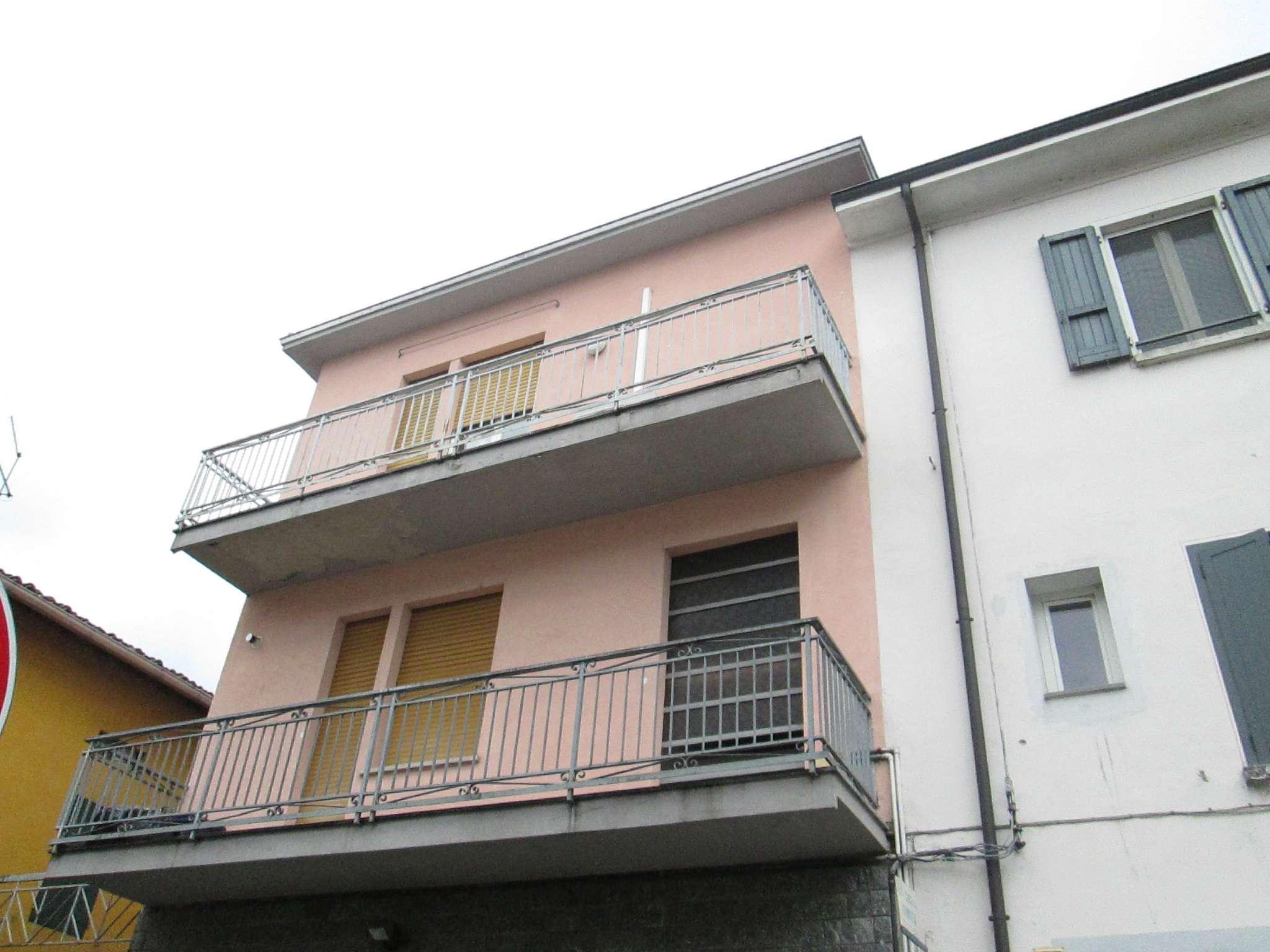 Appartamento in affitto a Medesano, 2 locali, prezzo € 380 | Cambio Casa.it