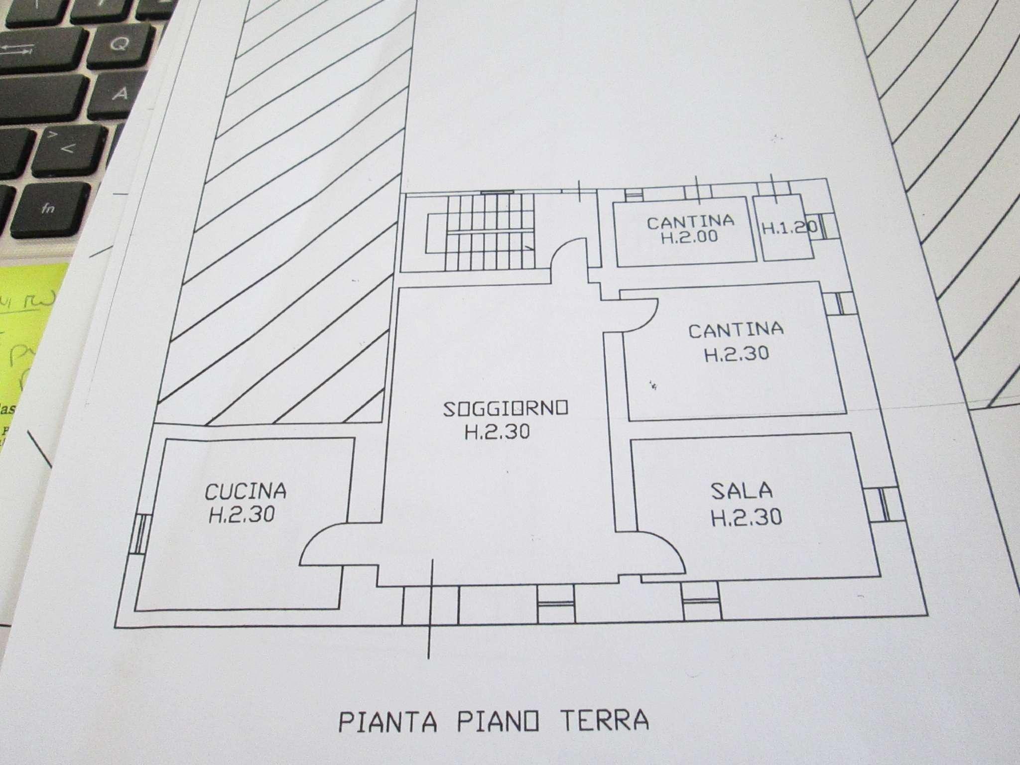 Medesano Vendita CASALE / RUSTICO / CASA / CASCINA Immagine 1
