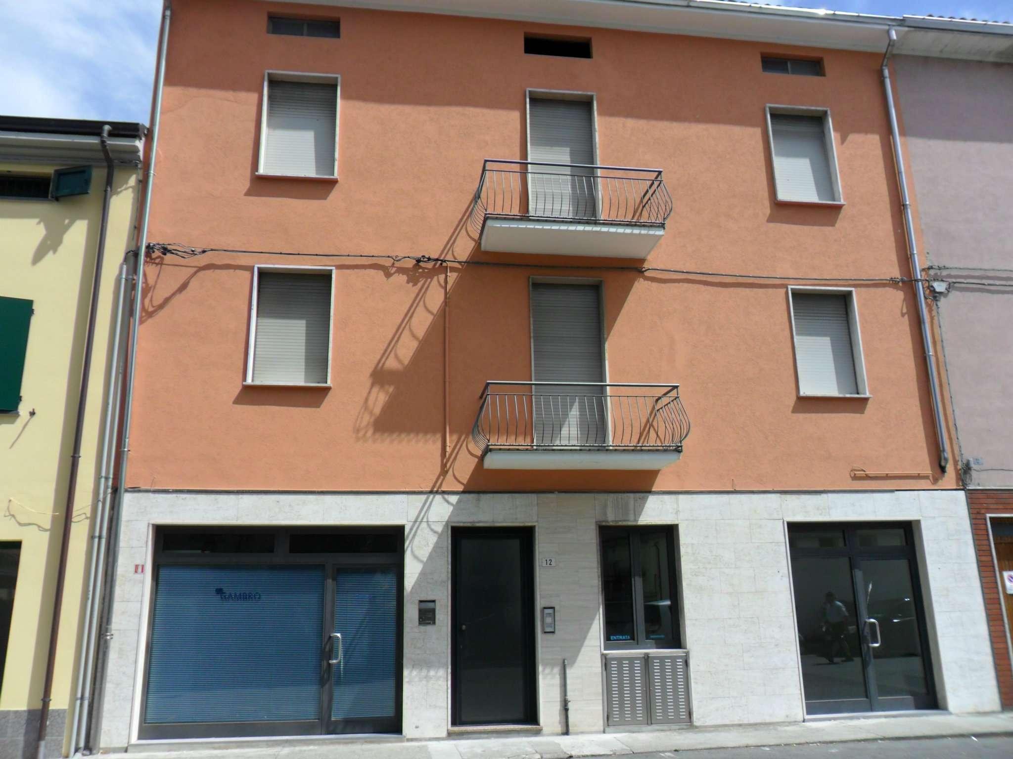 Negozio / Locale in vendita a Fontevivo, 2 locali, prezzo € 35.000 | Cambio Casa.it