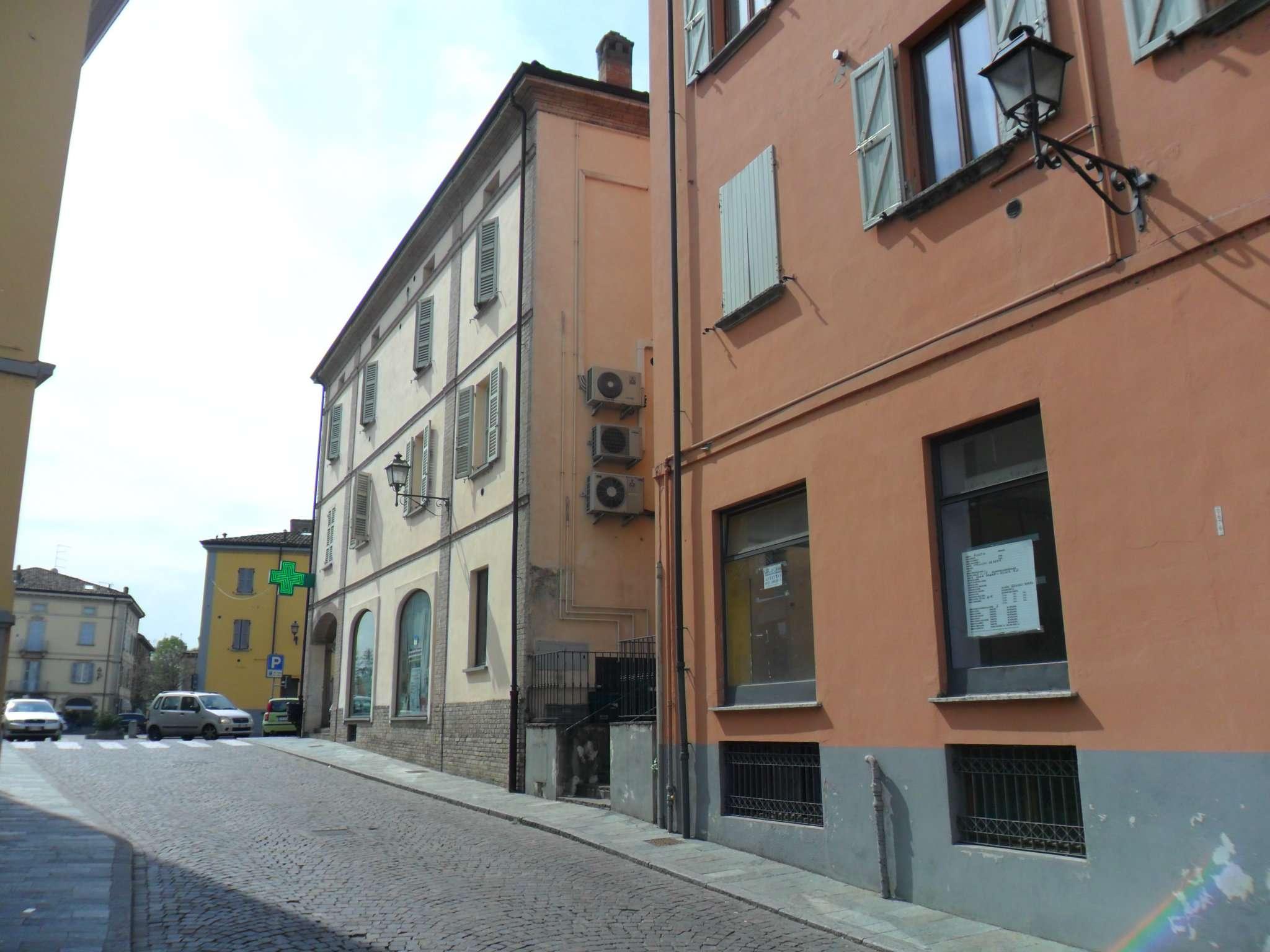Negozio / Locale in affitto a Noceto, 1 locali, prezzo € 700 | Cambio Casa.it