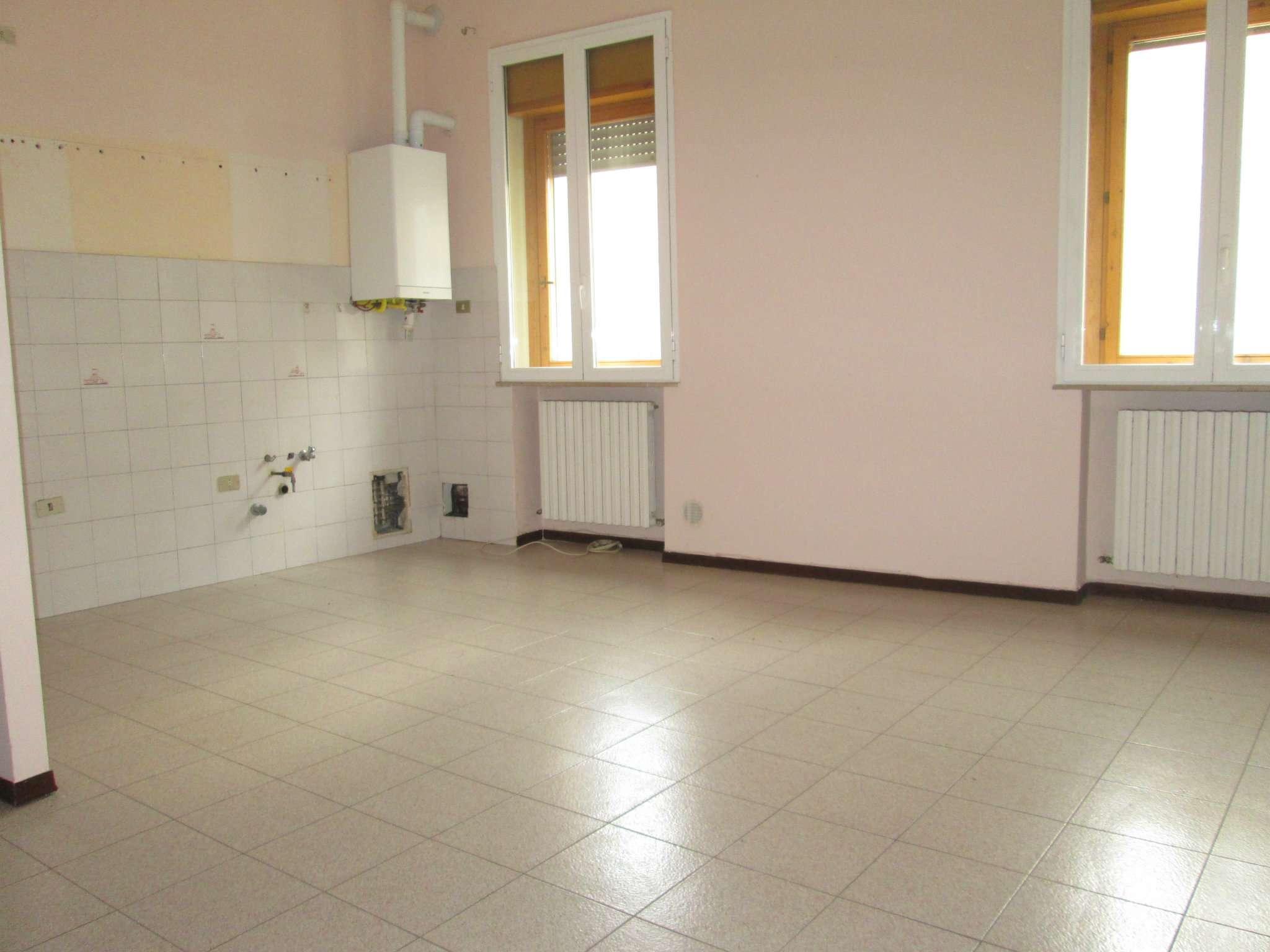 Appartamento in affitto a Medesano, 3 locali, prezzo € 350 | Cambio Casa.it