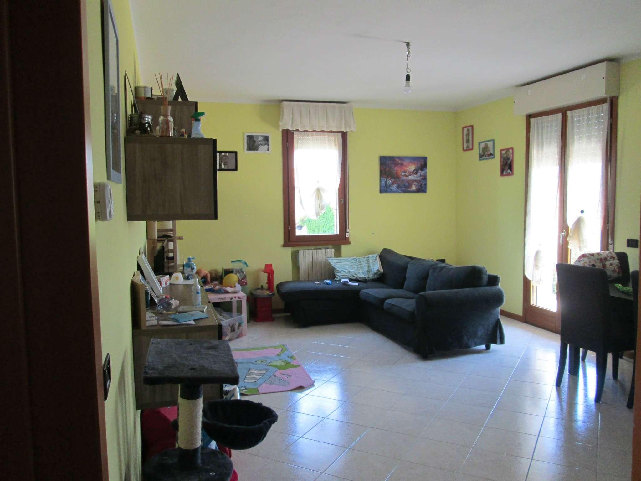 Appartamento in affitto a Medesano, 3 locali, prezzo € 500 | Cambio Casa.it