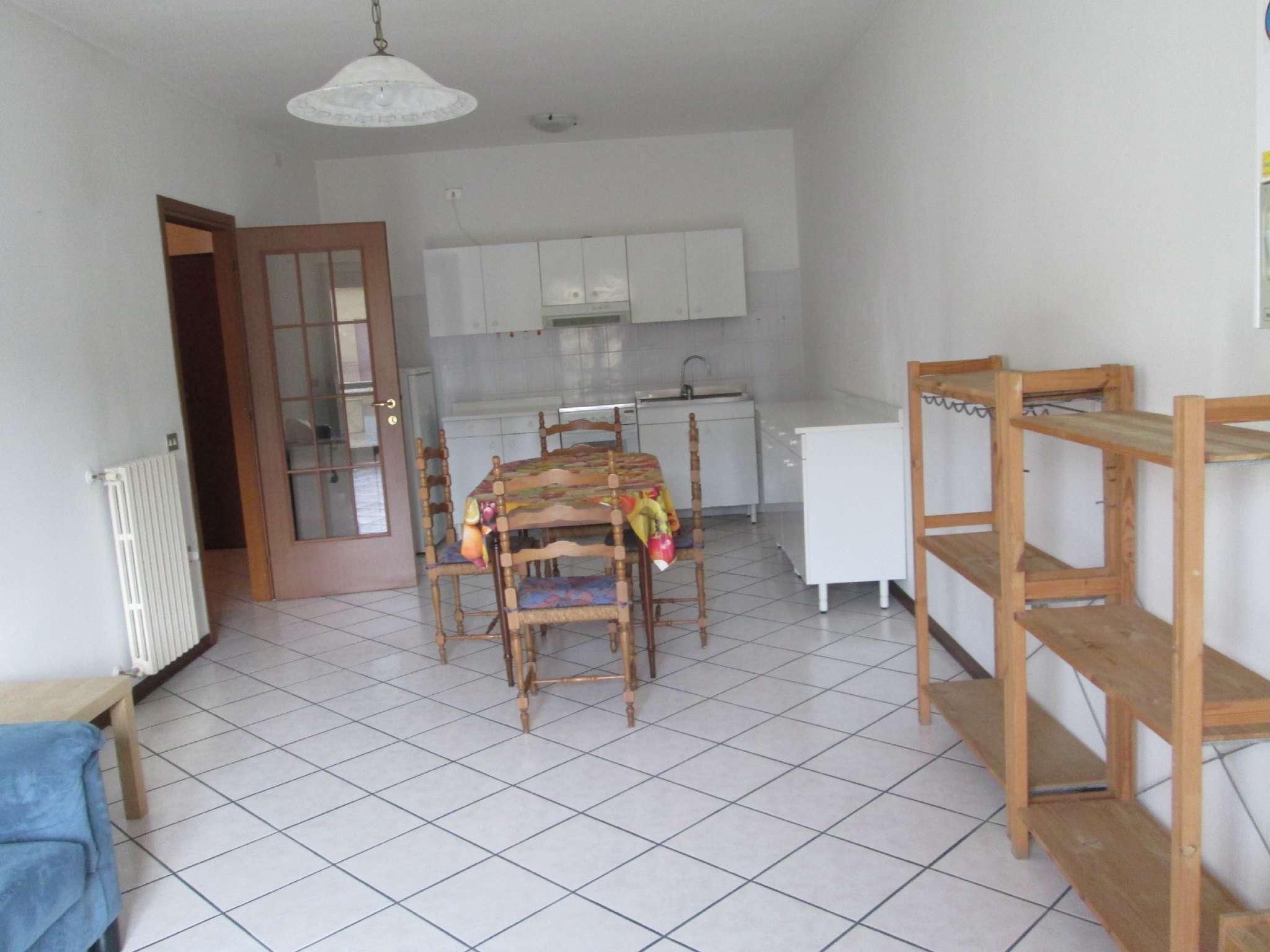 Appartamento in affitto a Medesano, 2 locali, prezzo € 400 | Cambio Casa.it