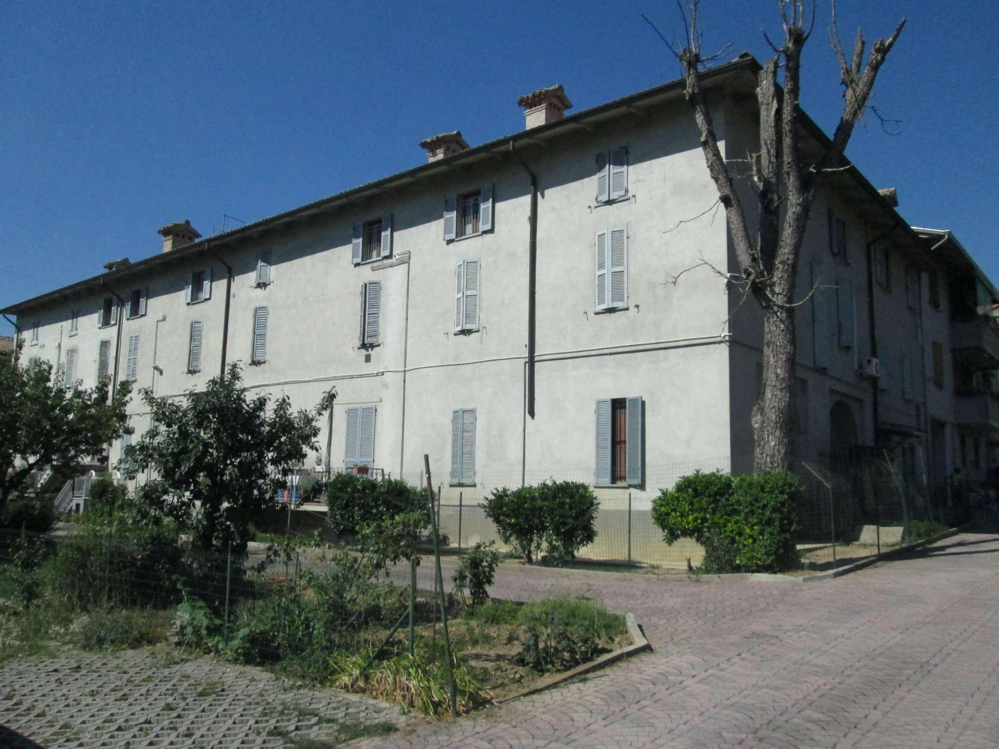 Appartamento in vendita a Fornovo di Taro, 5 locali, prezzo € 115.000 | Cambio Casa.it