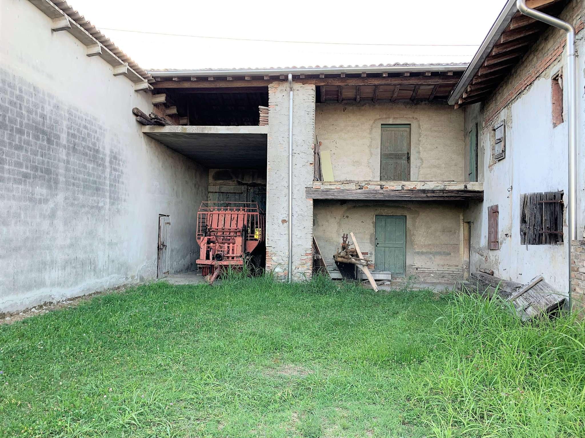 Noceto Vendita CASALE / RUSTICO / CASA / CASCINA Immagine 4