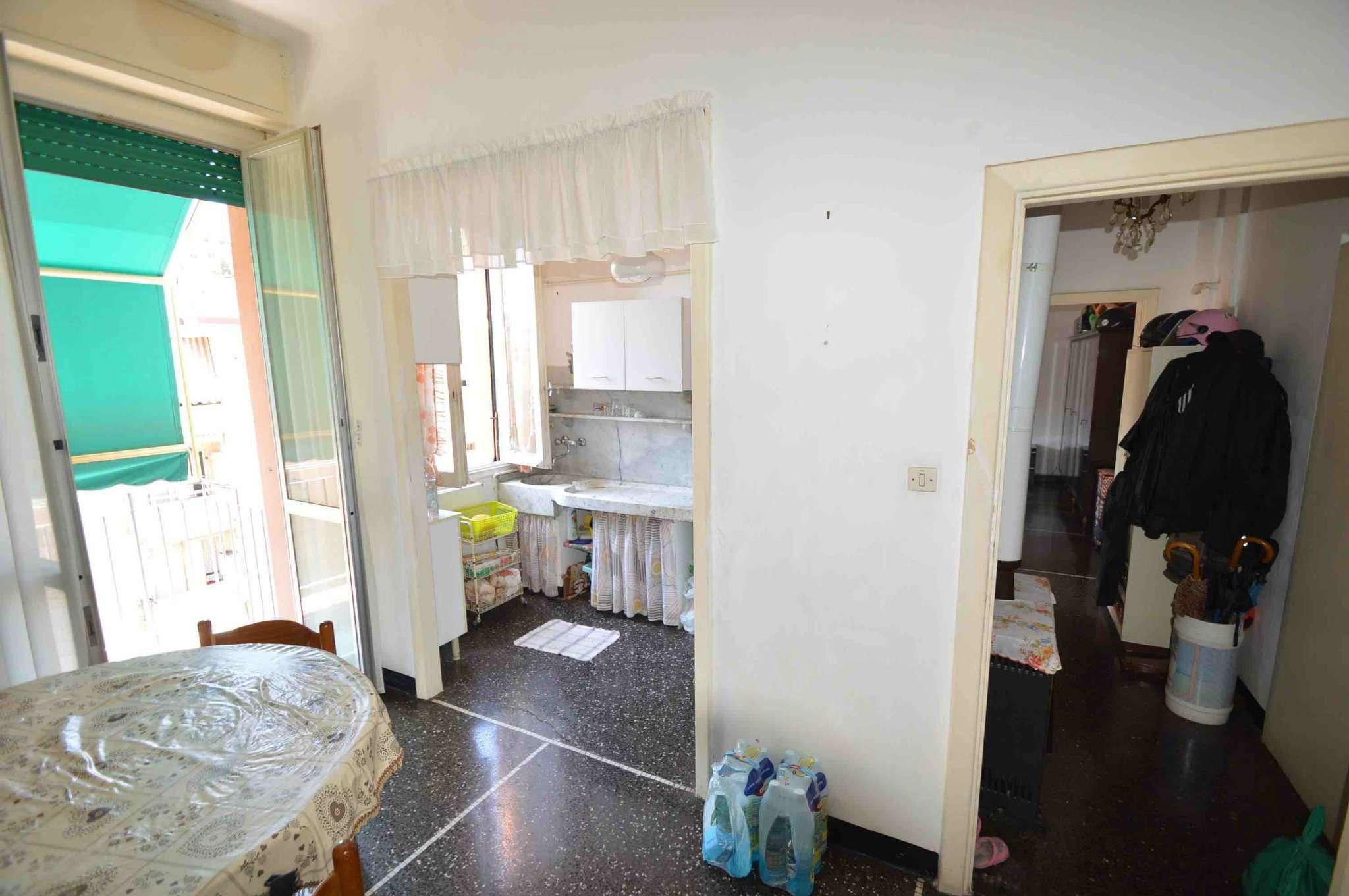 Bilocale Genova Via Gorizia 2