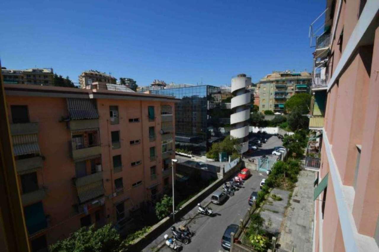Bilocale Genova Via Gorizia 4