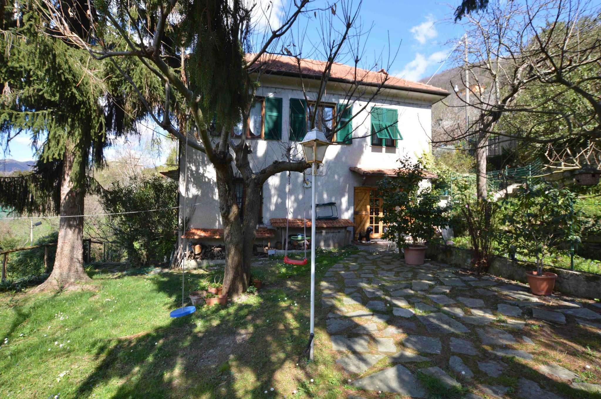 Foto 1 di Villa via Spallarossa, Genova (zona Fontanegli)
