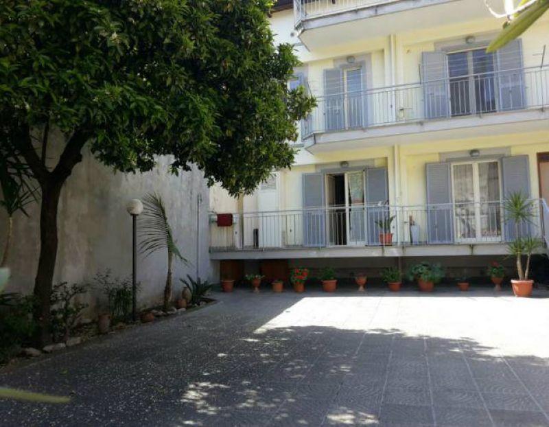 Villa in vendita a Villaricca, 5 locali, prezzo € 270.000 | Cambiocasa.it