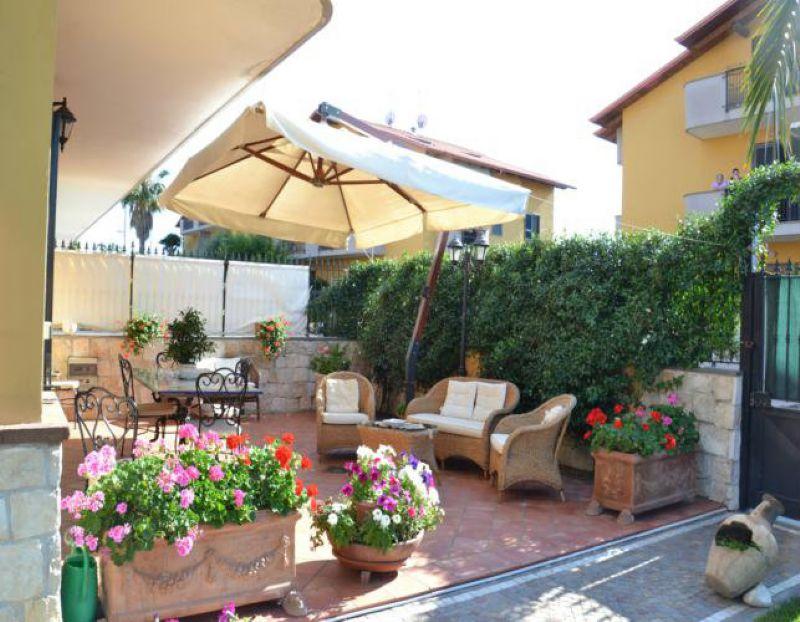 Villa in vendita a Villaricca, 6 locali, prezzo € 390.000 | Cambiocasa.it
