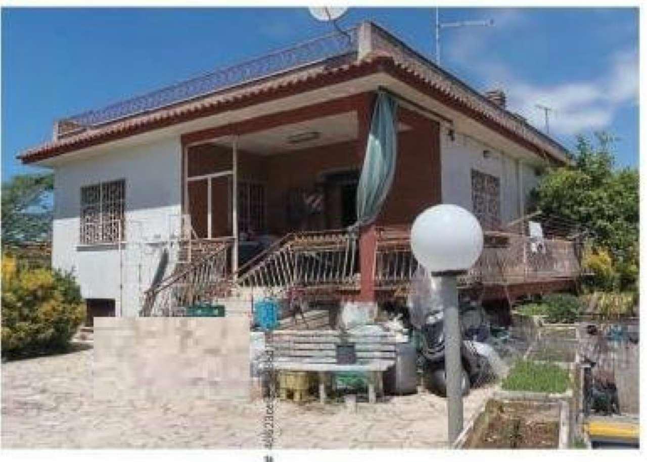 Villa in vendita a Anzio, 3 locali, prezzo € 154.000 | Cambio Casa.it