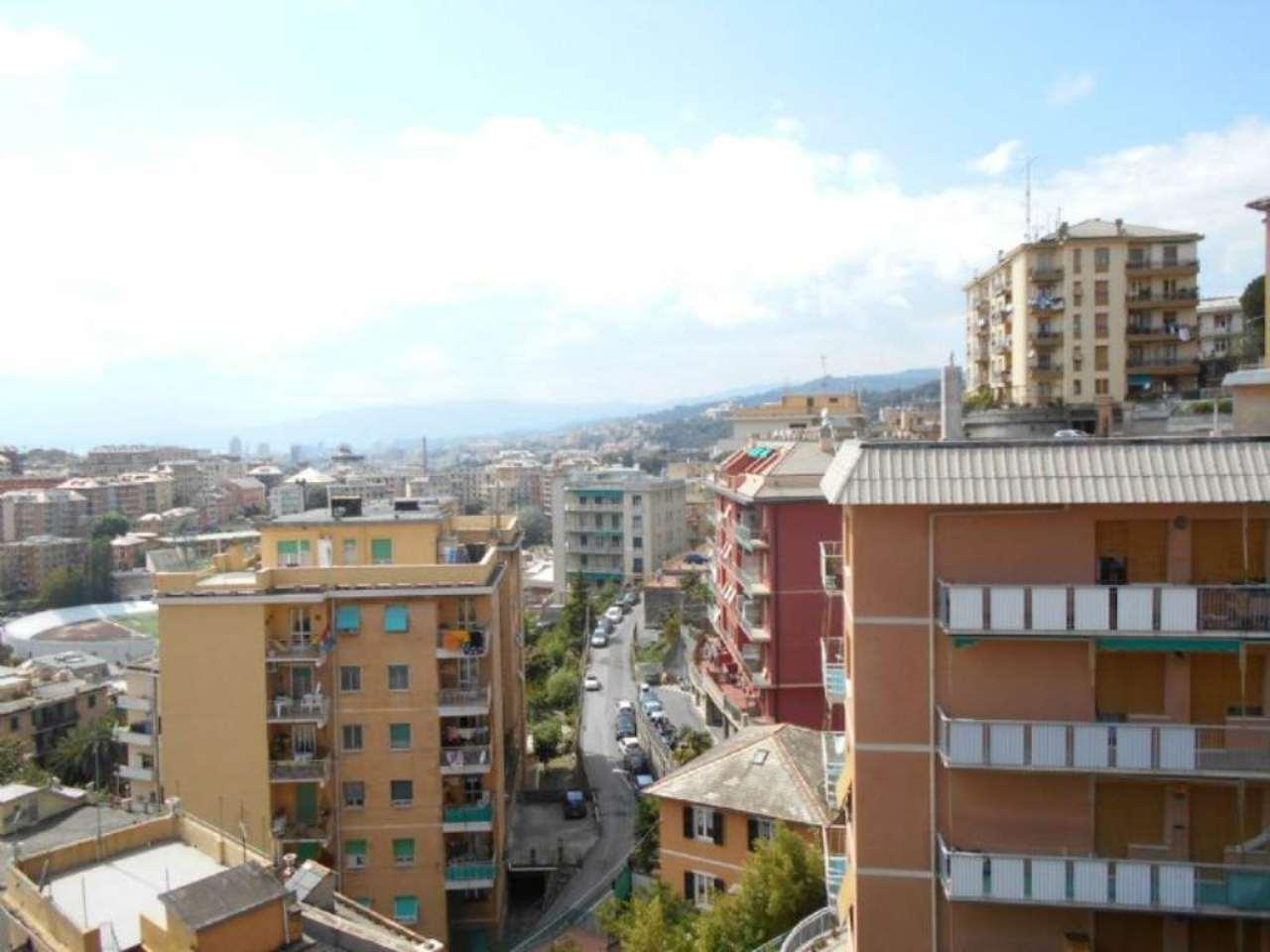 Bilocale Genova Via Copernico 1
