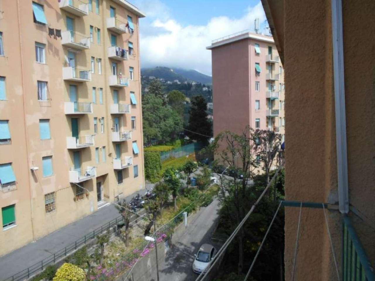 Bilocale Genova Via Copernico 2