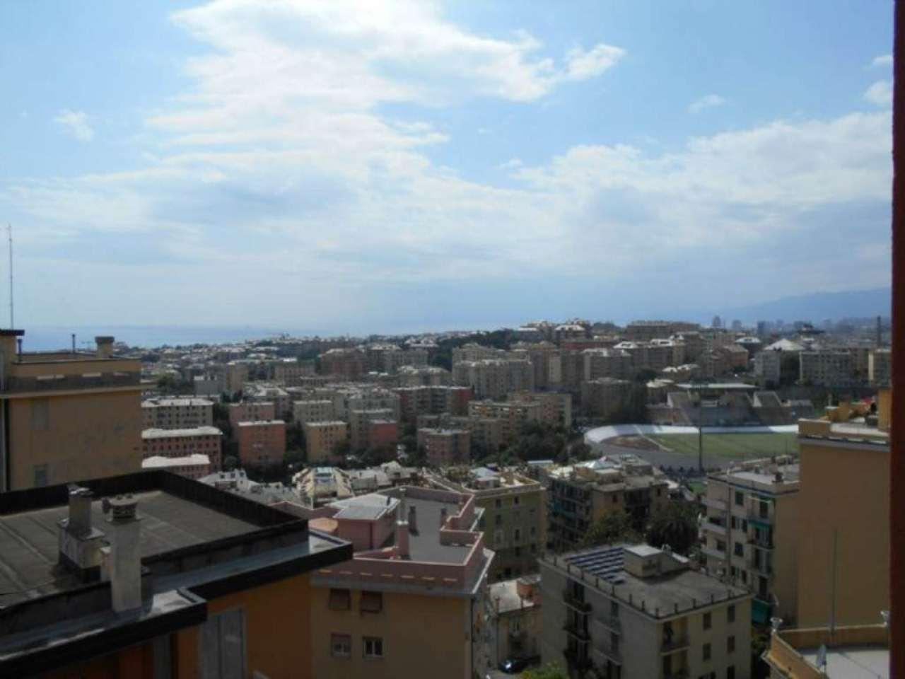 Bilocale Genova Via Copernico 5