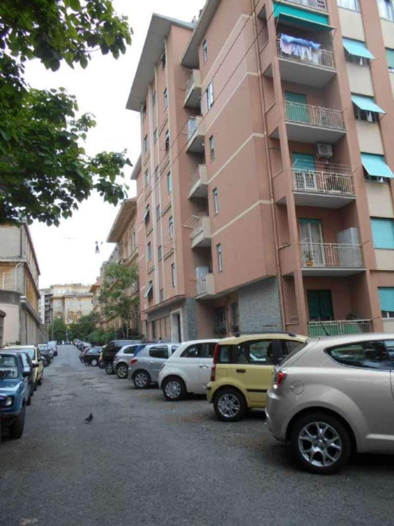 Bilocale Genova Via L.b. Albertis 2