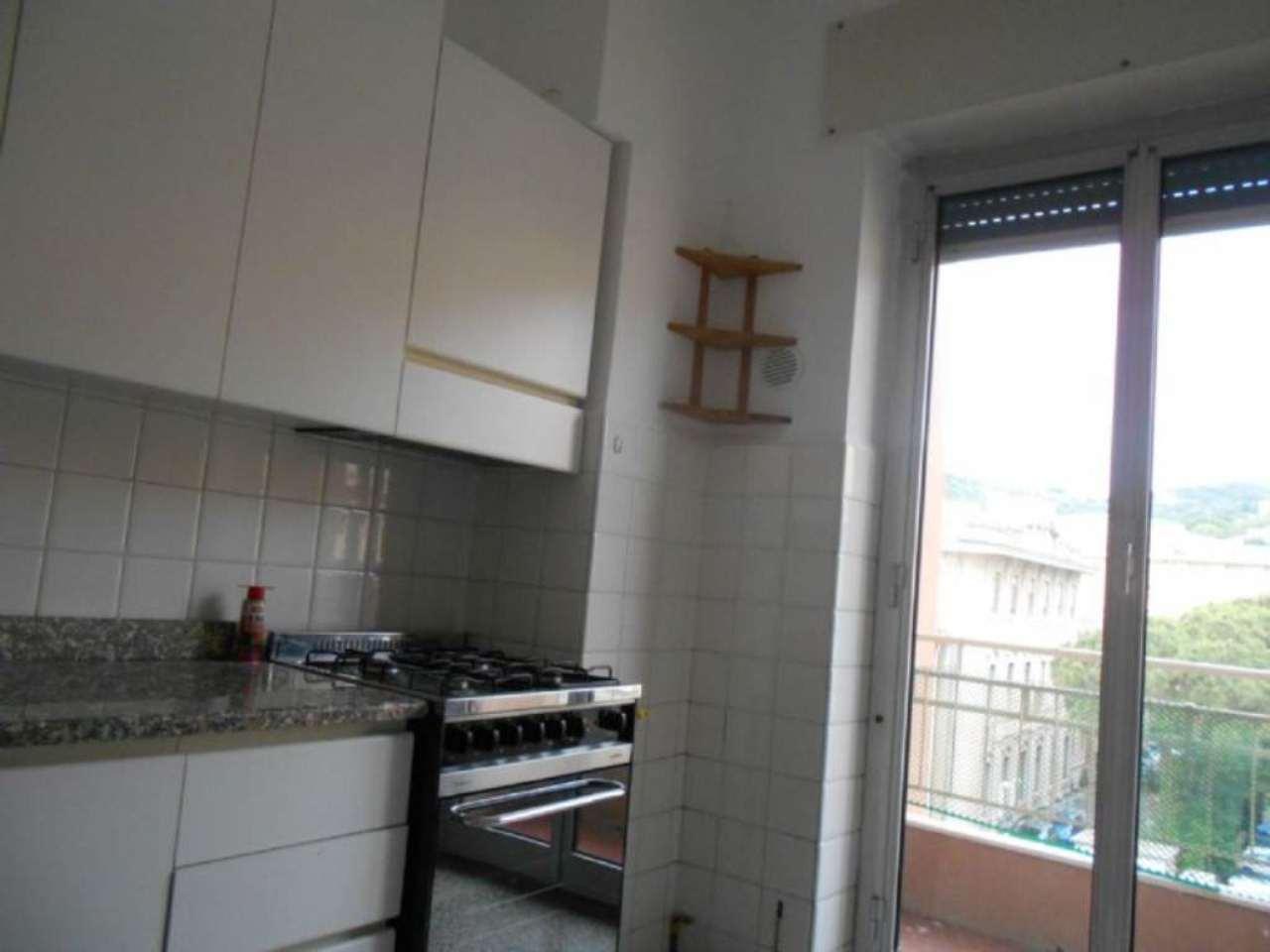 Bilocale Genova Via L.b. Albertis 9