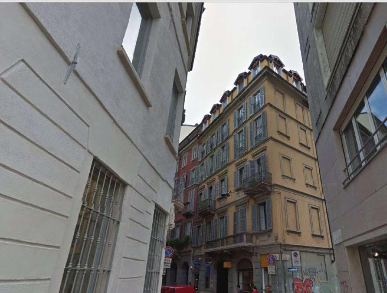 Bilocale Milano Via Lupetta 3