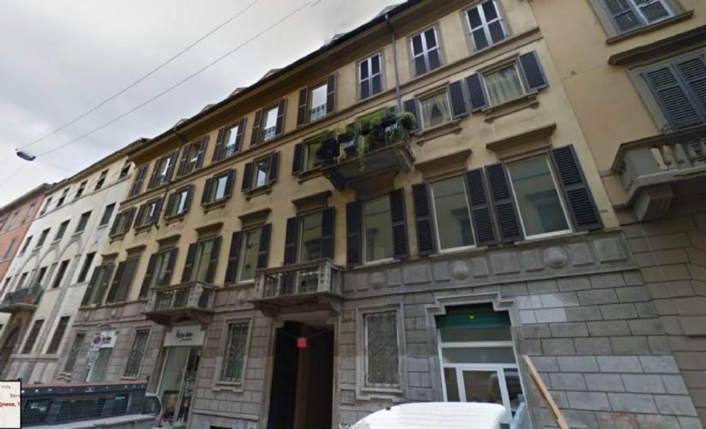 Bilocale Milano Via Sant'agnese 10