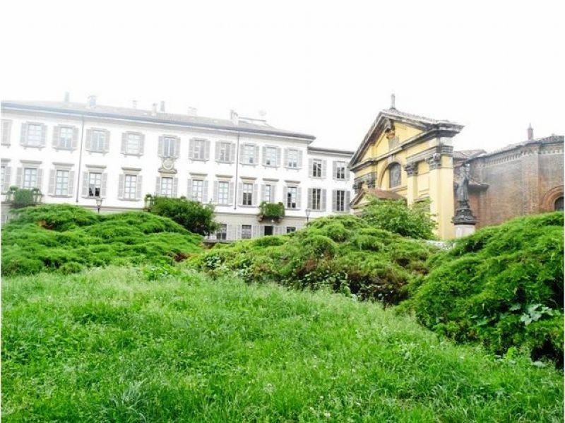 Bilocale Milano Piazza Borromeo 3