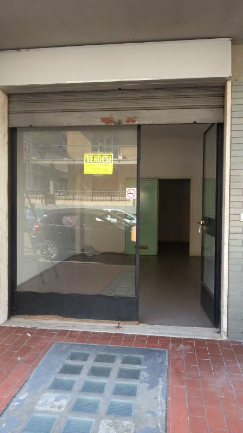 Negozio / Locale in vendita a Firenze, 2 locali, zona Zona: 3 . Il Lippi, Novoli, Barsanti, prezzo € 37.000 | Cambiocasa.it