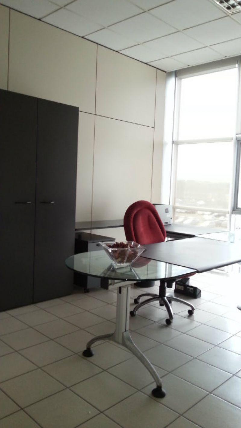 Ufficio / Studio in vendita a Firenze, 12 locali, zona Zona: 2 . Piana di Castello, Pistoiese, prezzo € 3.000 | Cambiocasa.it