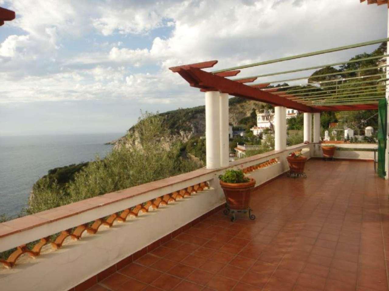 Villa in vendita a Massa Lubrense, 17 locali, prezzo € 2.500.000 | CambioCasa.it