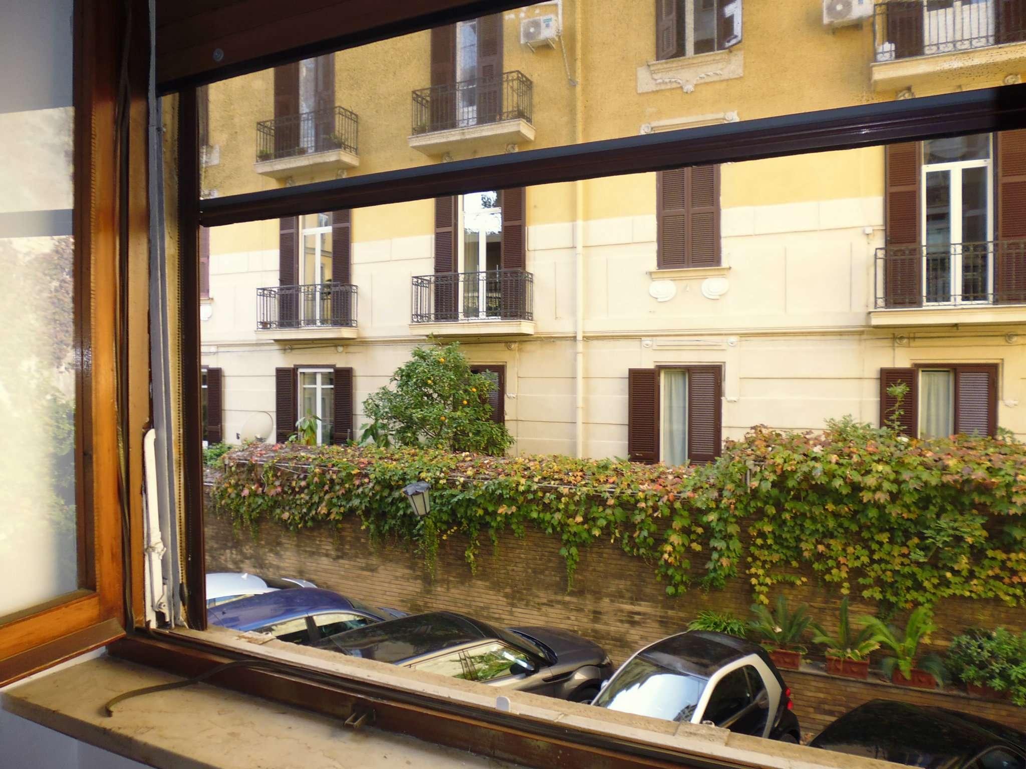 Bilocale Napoli Via Andrea D'isernia 4
