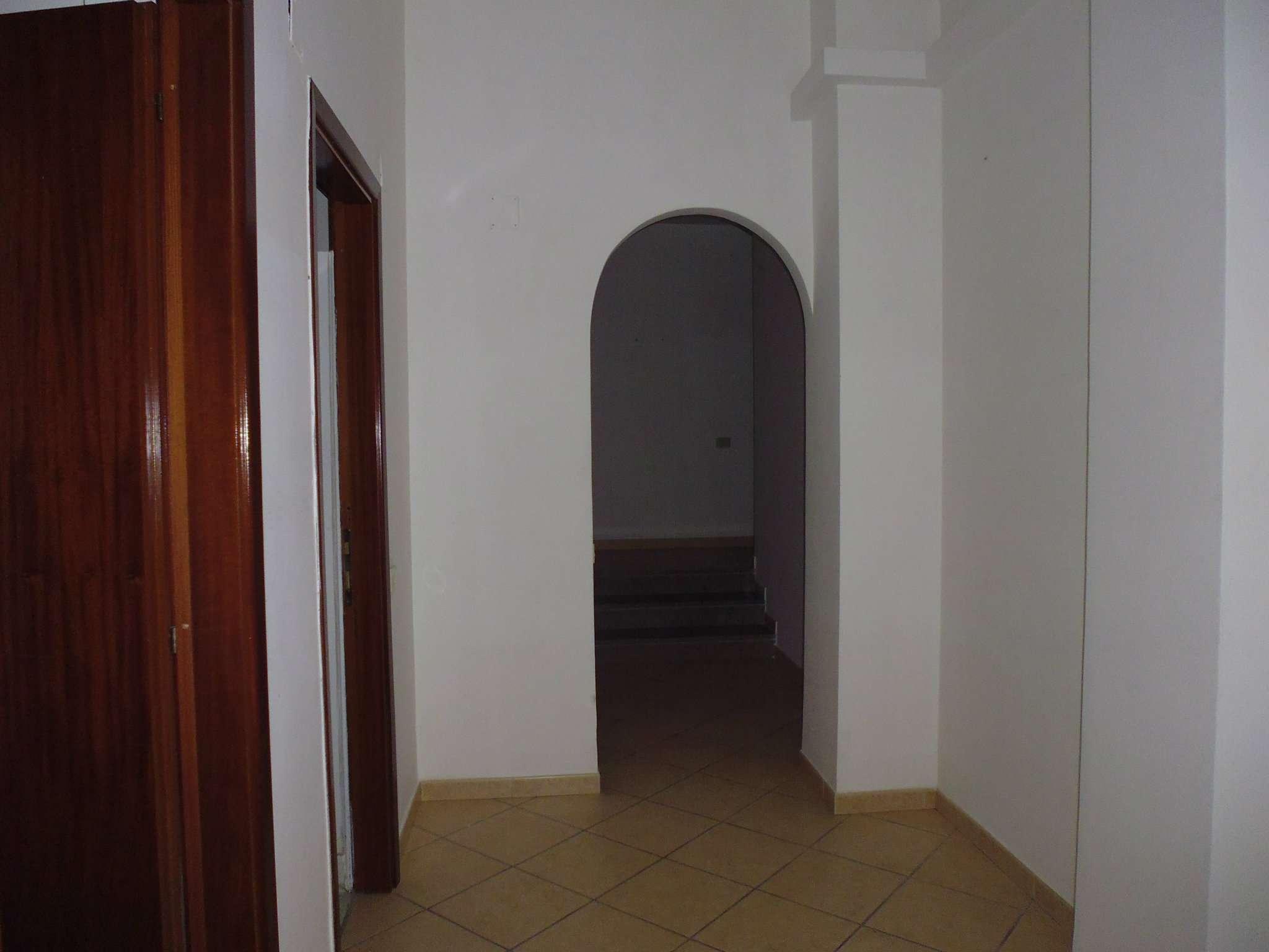 Bilocale Napoli Via Andrea D'isernia 6