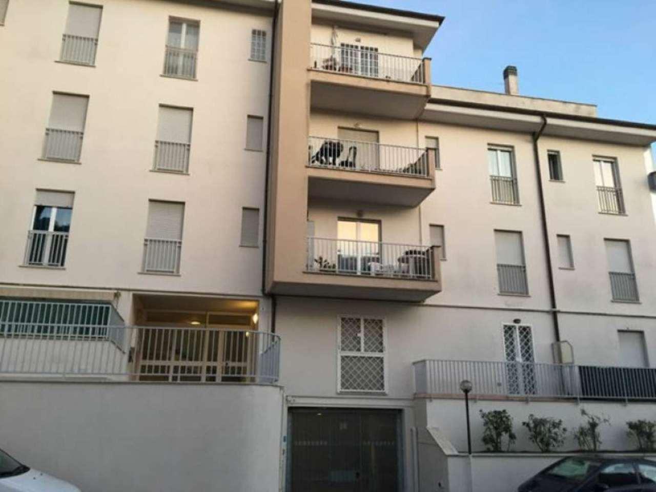 Bilocale Bracciano Via Delle Magnolie 3