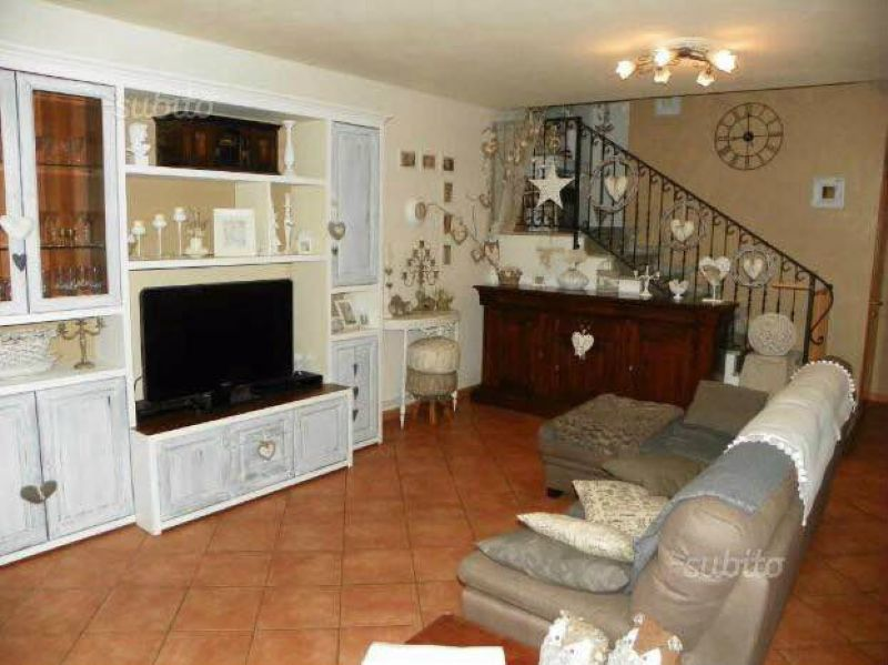 Villa a Schiera in vendita a Castelnovo di Sotto, 4 locali, prezzo € 269.000 | Cambio Casa.it