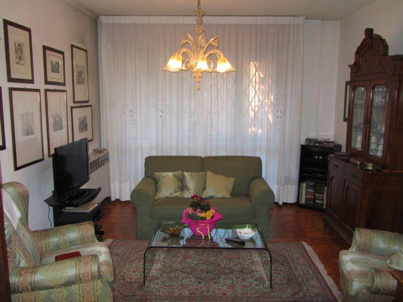 Appartamento in vendita a Castelnovo di Sotto, 4 locali, prezzo € 129.000 | Cambio Casa.it