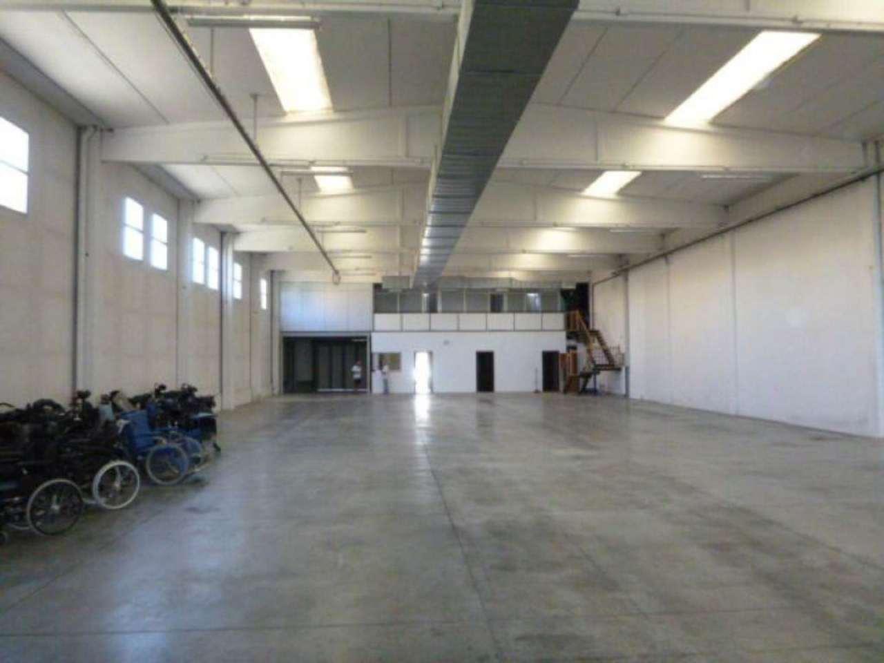 Capannone in affitto a Reggio Emilia, 1 locali, Trattative riservate | Cambio Casa.it