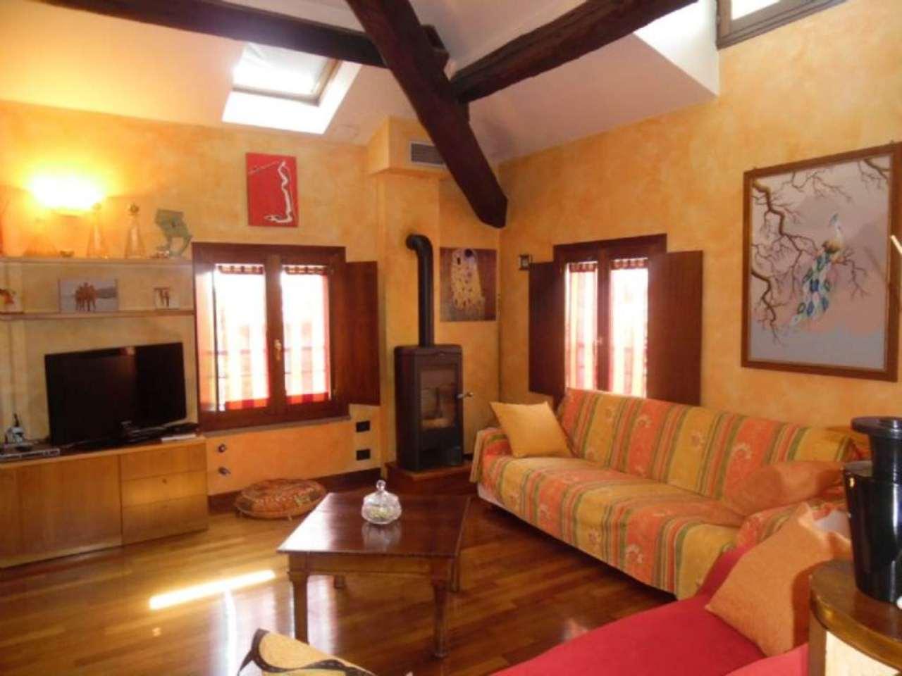 Appartamento in vendita a Bagnolo in Piano, 5 locali, prezzo € 185.000 | Cambio Casa.it