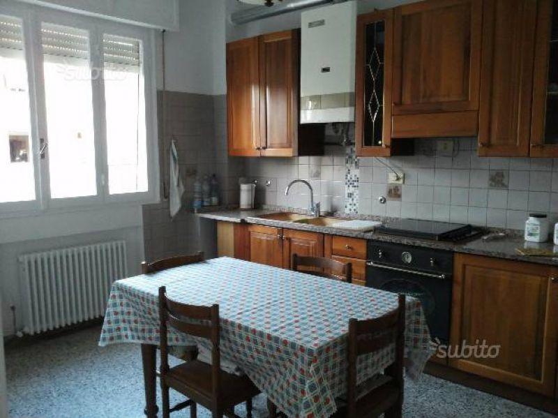 Appartamento in affitto a Reggio Emilia, 3 locali, prezzo € 500 | Cambio Casa.it