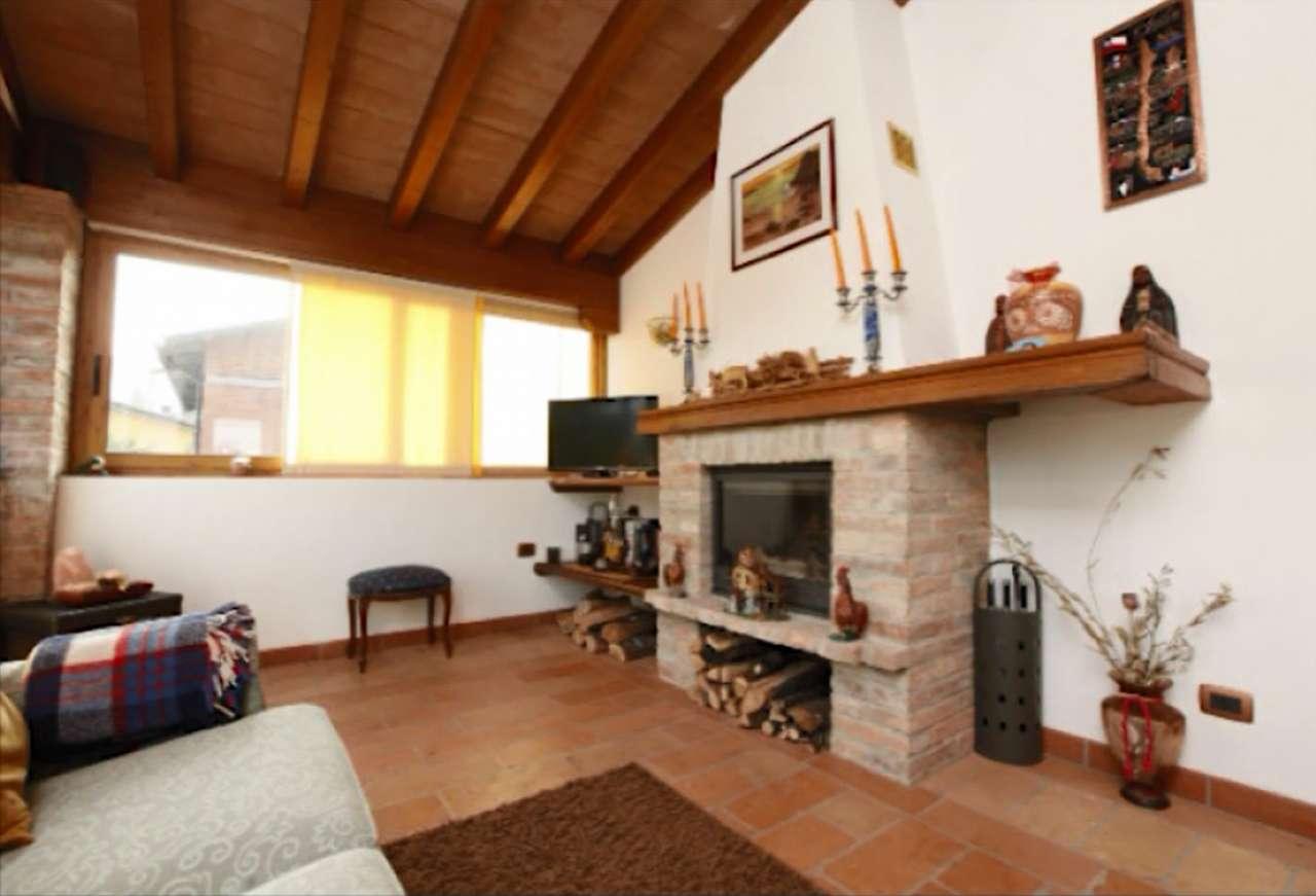 Casa indipendente 6 locali in vendita a Quattro Castella (RE)