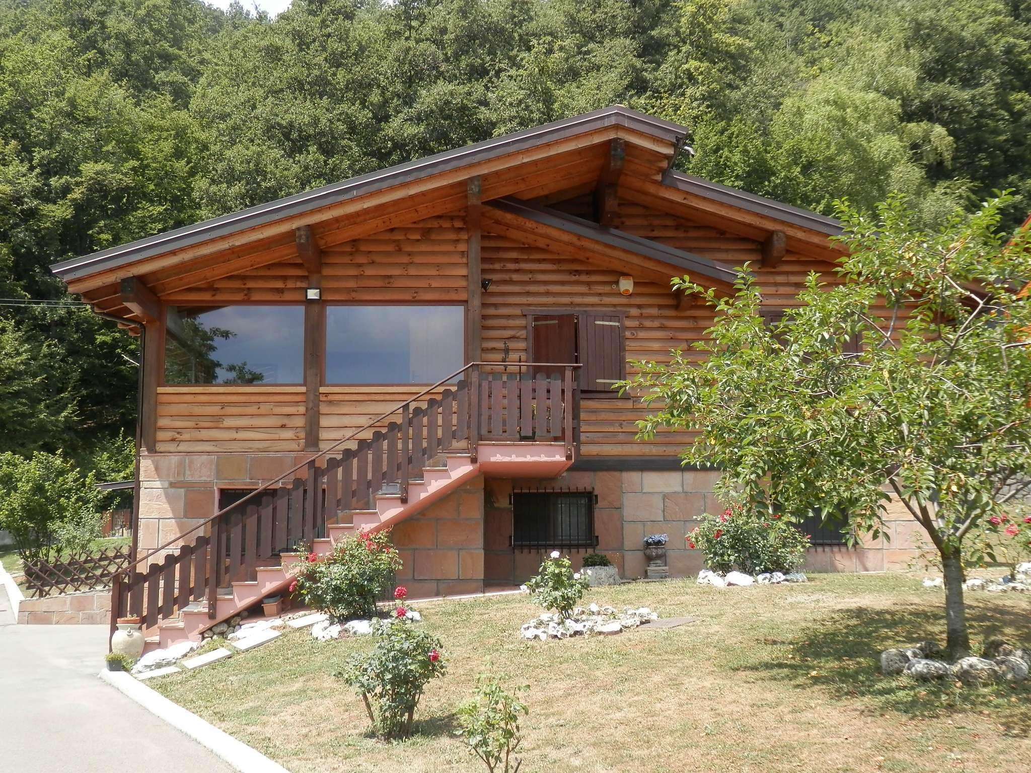 Barbecue cemento forno legna in vendita waa2 for Casa di 700 metri quadrati in vendita