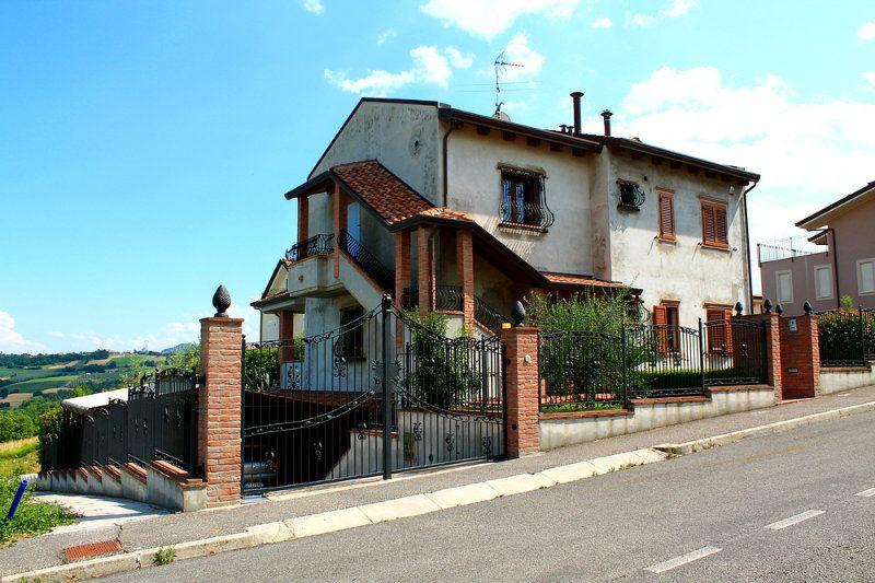 Soluzione Indipendente in vendita a Montescudo, 5 locali, prezzo € 550.000 | Cambio Casa.it