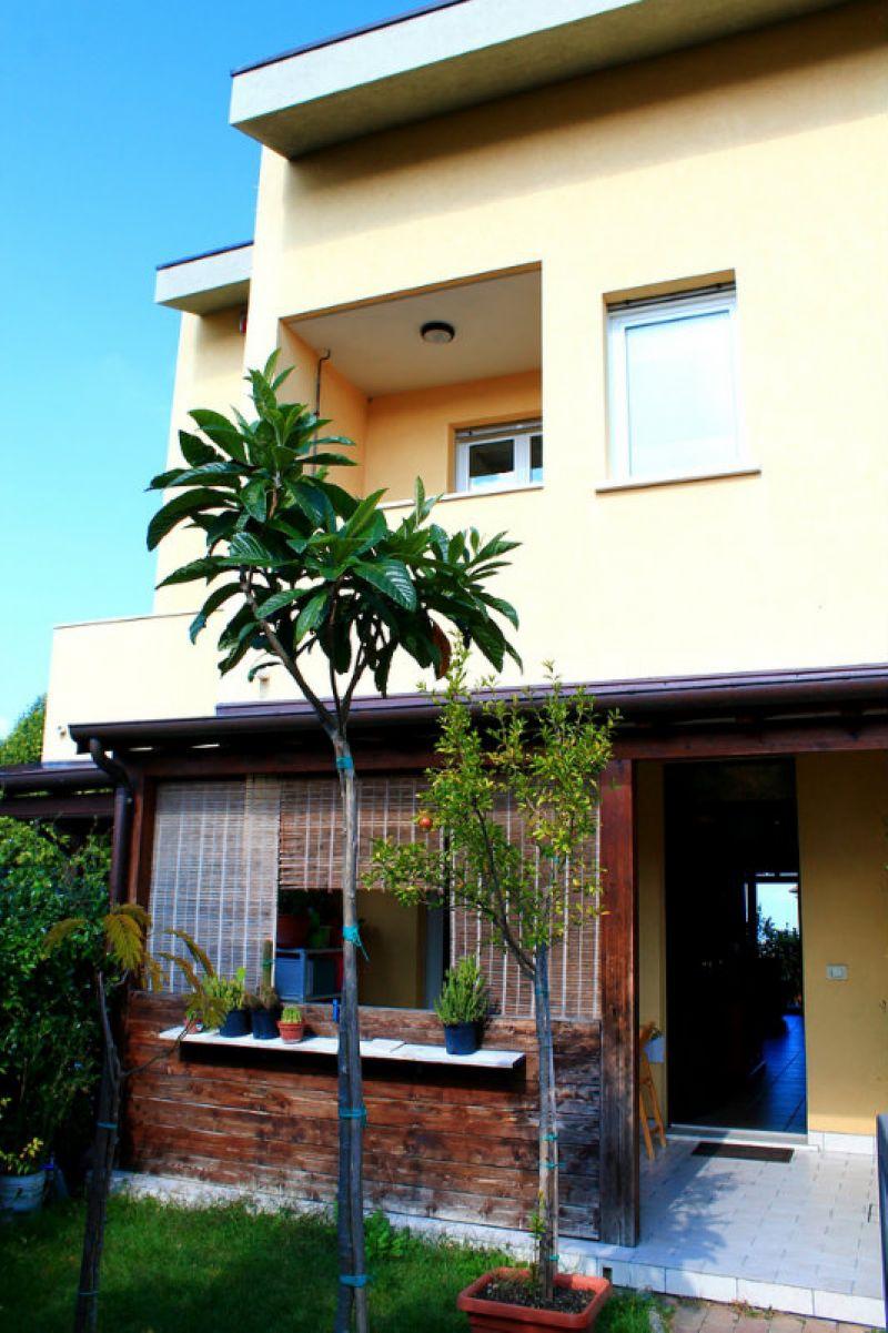 Palazzo / Stabile in vendita a Montescudo, 4 locali, prezzo € 235.000 | Cambio Casa.it