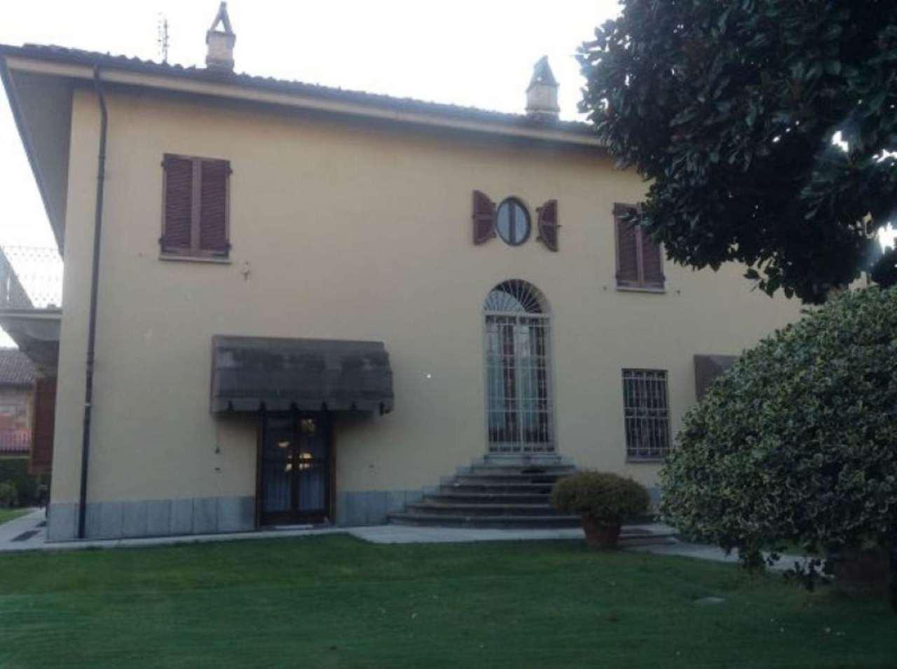 Villa in vendita a Rivoli, 9999 locali, Trattative riservate | Cambio Casa.it