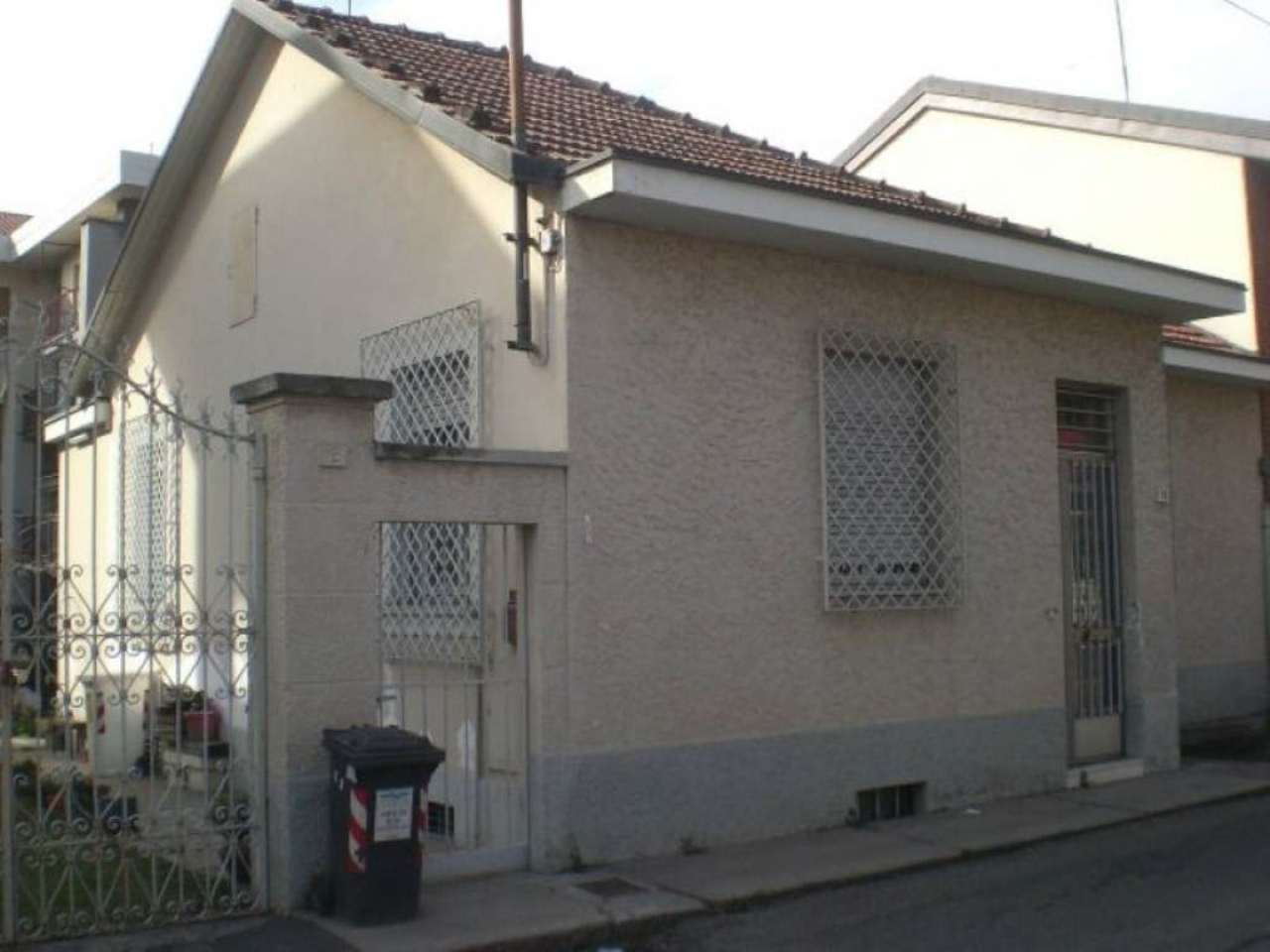 Soluzione Indipendente in vendita a Collegno, 5 locali, prezzo € 250.000 | Cambio Casa.it