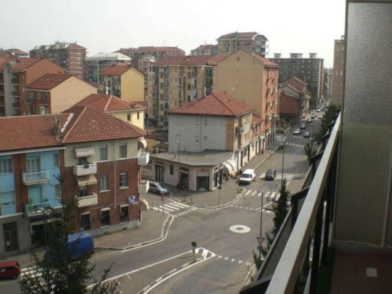 Bilocale Torino Via Valentino Carrera 7