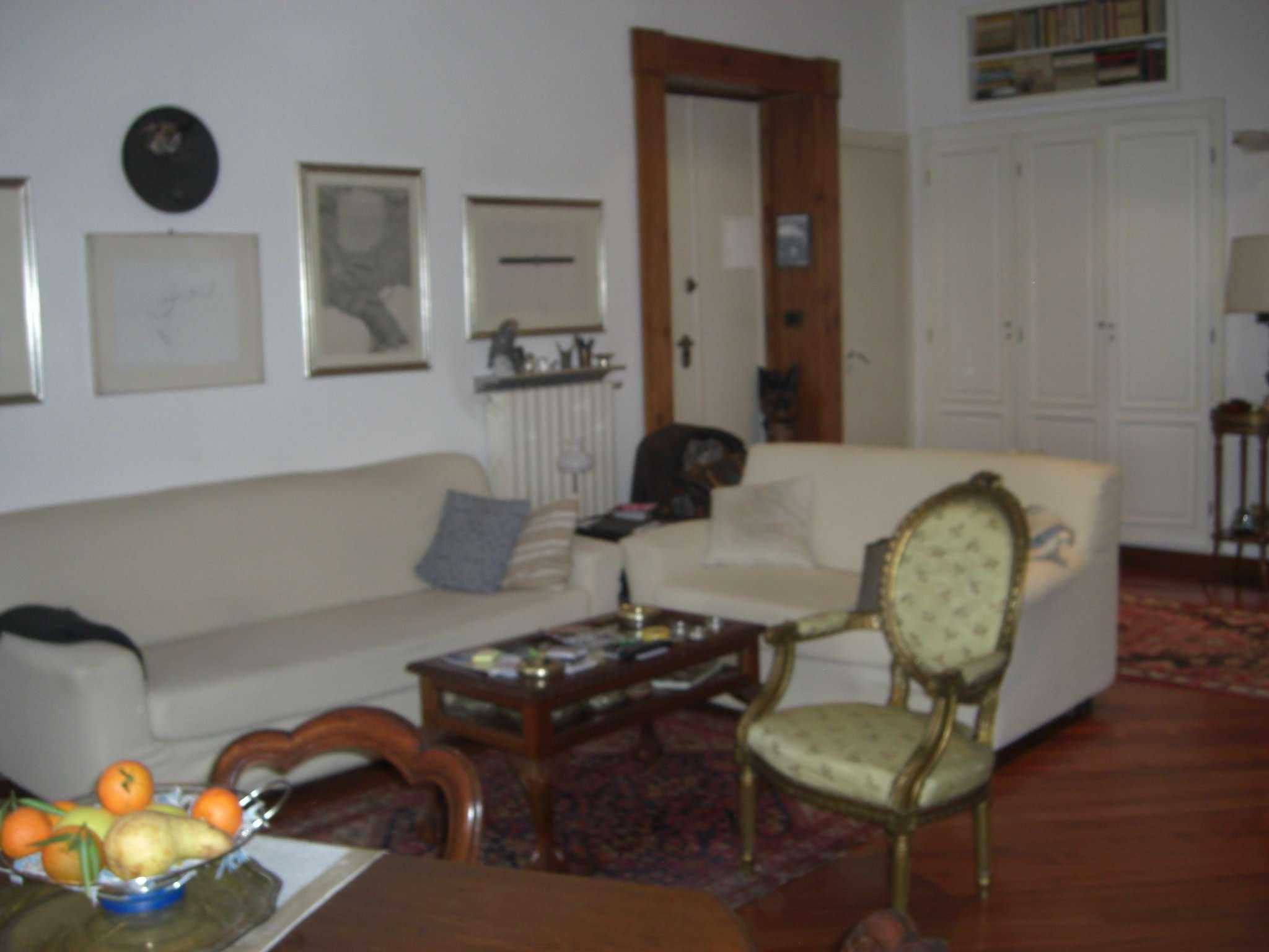 Bilocale Torino Via Vincenzo Vela 3