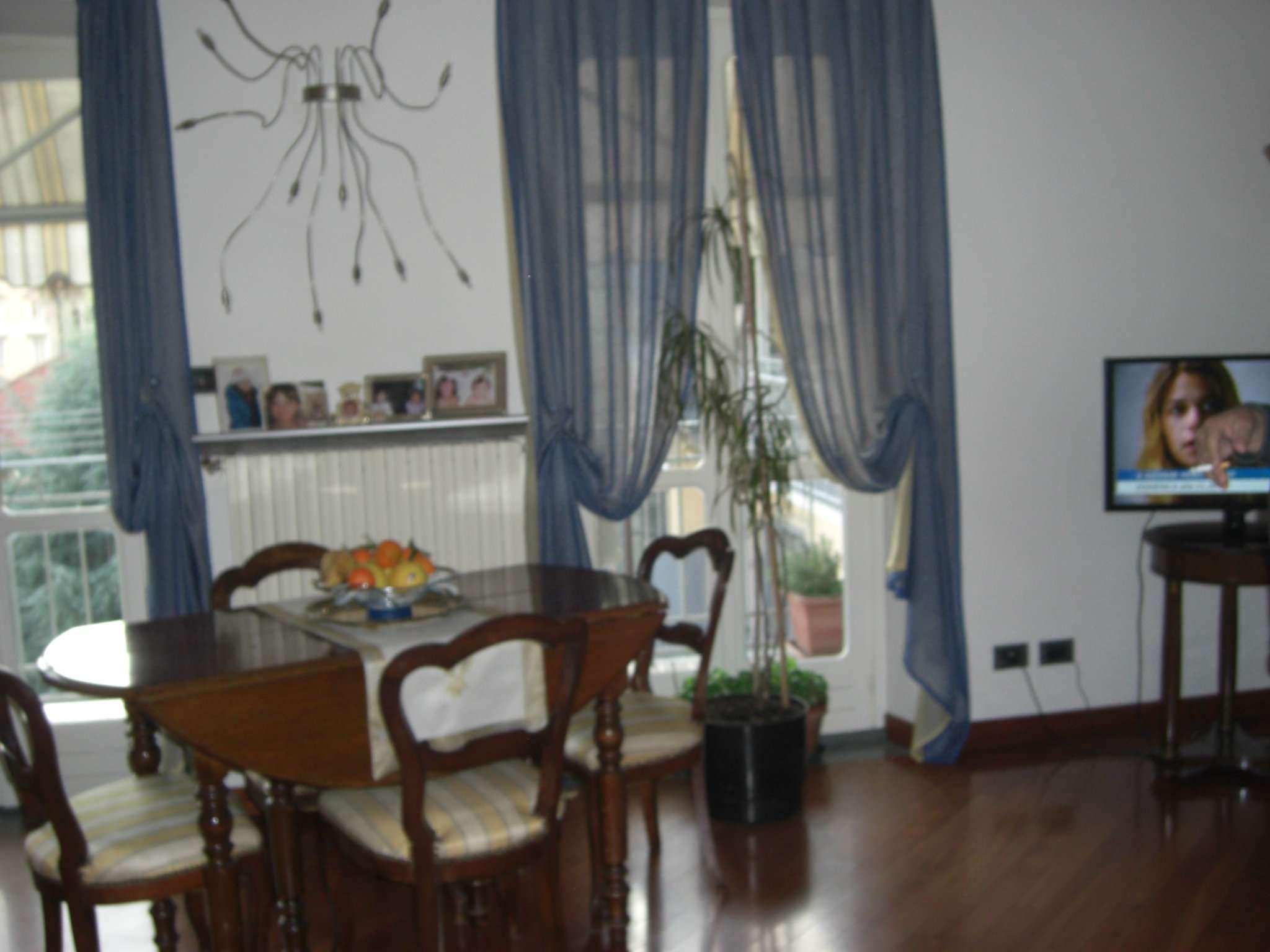 Bilocale Torino Via Vincenzo Vela 4
